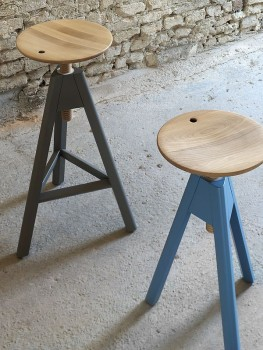 VITOS  MINIFORSM BAR STOOLS ..